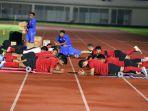 latihan-perdana-timnas-indonesia-senior_20200214_223440.jpg
