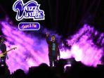 letto-goyang-publik-jazz-traffic-festival-di-surabaya_20190916_105427.jpg