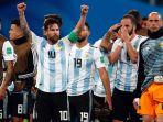 lionel-messi-dan-pemain-timnas-argentina_20180628_220628.jpg