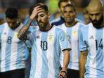 lionel-messi-dkdk-tertunduk-lesu-setelah-argentina-ditahan-peru_20171006_194051.jpg