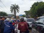 Banjir di Jalan Raya Pondok Gede Sebabkan Kemacetan Panjang
