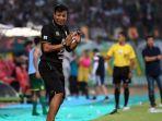 madura-united-melaju-ke-babak-semi-final-piala-indonesia_20190627_205053.jpg