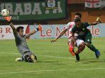 Persebaya Vs Madura United, Dua Kiper Berlabel Timnas Reuni, Adu Kokoh di Bawah Mistar