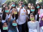 mahasiswa-fkg-unpad-ajak-warga-operasi-bibir-sumbing-gratis_20150525_204218.jpg