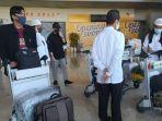 mahasiswa-yang-kuliah-di-arab-saudi-tiba-di-bandara-sultan-hasanuddin.jpg