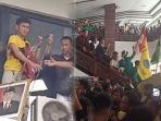 mahasiswa-yang-turunkan-foto-presiden-jokowi-jadi-tersangka.jpg