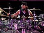 Orang Sekampung Heboh Deden Dibelikan Drum oleh Personel 'Dream Theatre' Mike Portnoy