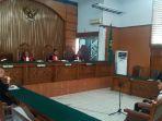 marcello-tahitoe-saat-di-pengadilan-jakarta-selatan_20180102_162601.jpg