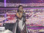 maria-simorangkir-juara-indonesian-idol-2018_20180424_093322.jpg