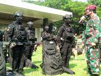 532 Prajurit Kopassus Bersenjata Lengkap Siap Hancurkan Musuh: Awan Gelap Langit Hitam
