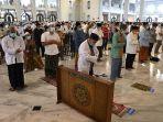 masjid-al-akbar-tetap-gelar-salat-jumat_20200328_144413.jpg