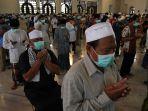 masjid-al-akbar-tetap-gelar-salat-jumat_20200328_145913.jpg
