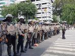 Bubarkan Massa Aksi 1812, Polisi: Kami Minta Bubar, Tidak Ada Kumpul-kumpul di Tengah Pandemi