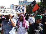 massa-aksi-tuntut-skandal-mega-korupsi-di-indonesia-dituntaskan_20200221_182629.jpg