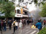 PKL Malioboro Kisahkan Bentrok Saat Tolak UU Cipta Kerja. 'Itu Bukan Demo, Tapi Perang'