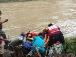 mayat-wanita-ditemukan-warga-di-aliran-sungai-ciliwung-12.jpg
