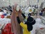 melihat-proses-pembuatan-mukena-jelang-ramadan_20210407_192416.jpg
