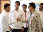 menpora-imam-nahrawi-berjabat-tangan-dengan-atlet-jetski-indonesia-asqa-sutan-aswar.jpg