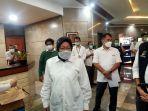 Mensos: Korban Bencana di NTT Tidur Menggunakan Alas Seadanya, Campur dengan Lumpur