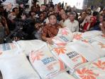 menteri-perdagangan-rachmat-gobel-di-palembang_20150615_094307.jpg