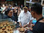 menteri-perhubungan-budi-karya-mencicipi-kuliner-di-go-food-festival.jpg