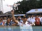 menteri-perhubungan-ignasius-jonan-nyaris-terserempet-drone-02_20150713_213355.jpg
