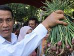 menteri-pertanian-andi-amran-sulaiman_20160827_144018.jpg