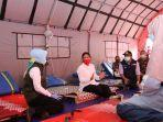 Menteri PPPA Kunjungi Pos Ramah Perempuan dan Anak bagi Pengungsi Bencana Longsor Sumedang