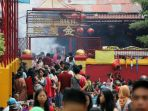 merayakan-imlek-di-wihara-dharma-bakti_20200125_204714.jpg