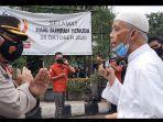 Saat Mertua Syekh Ali Jaber Kesulitan Memasuki Rumah Duka Sang Menantu