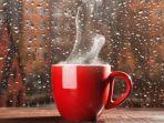 minuman-hangat-saat-musim-hujan.jpg
