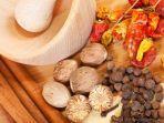 Manfaat Minyak Pala untuk Kesehatan, Ampuh Meredakan Stres sampai Atasi Kram Menstruasi