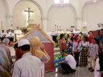 misa-natal-di-gereja-katedral-semarang-berlangsung-khidmat_20191225_232735.jpg