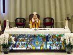 misa-online-malam-paskah-di-gereja-santa-theresia-jakarta_20200411_204619.jpg
