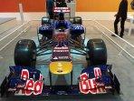 mobil-formula-1-di-pameran-hiias-2015_20150821_151830.jpg
