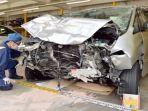 mobil-kecelakaan-nih2.jpg