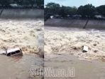 mobil-kijang-lgx-tercebur-ke-dalam-sungai-brantas-rolak-9-kecamatan-tari_20171219_134957.jpg