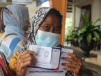 mobil-klinik-indosat-ooredoo-bantu-pelaksanaan-vaksinasi-di-solo_20210626_093103.jpg