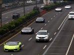 mobil-lamborghini-konvoi-tanpa-nopol_20150507_165607.jpg