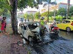 mobil-tabrak-pohon-lalu-terbakar.jpg
