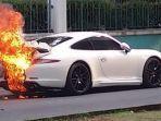 mobil-terbakar-di-kelapa-gading.jpg
