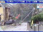 mobil-terbalik-akibat-taifun-19.jpg