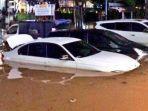 mobil-terendam-banjir-jakarta.jpg