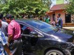mobil-yang-diberondong-tembakan-yang-diduga-dilakukan-polisi_20170418_211513.jpg