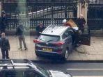 mobil-yang-digunakan-pelaku-serangan-di-london_20170323_195548.jpg