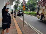mochamad-iriawan-saat-menyapa-para-pemain-timnas-indonesia-u-19.jpg