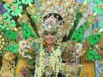 model-di-banyuwangi-ethno-carnival-2016_20161108_093351.jpg