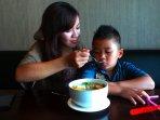 mom-and-kids-eka-fitri-dan-muamar-rafidan_20150424_174427.jpg