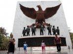 monumen-pancasila-sakti-lubang-buaya_20150929_171339.jpg