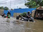 motor-mogok-karena-banjir-ciledug-2.jpg